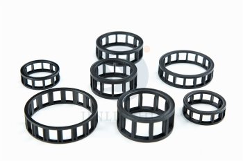 Short cylindrical bearing cage